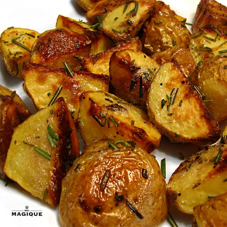 roasted_potatoes_rosemary_thyme_evoo_thyme_sel_magique